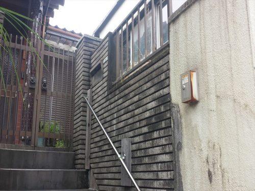 玄関上がり階段(外観)